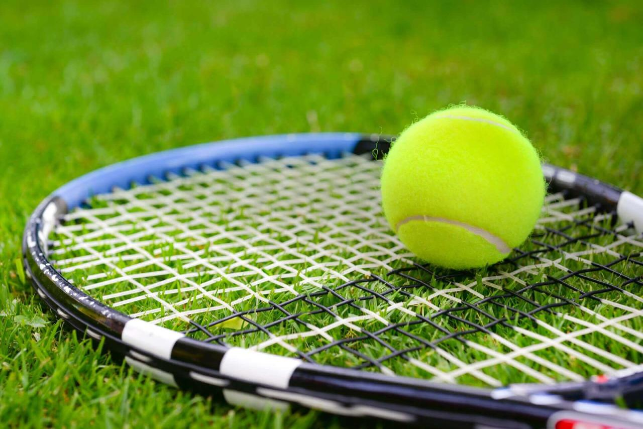 Best Tennis Racket for Advanced Players: Complete Reviews with Comparison